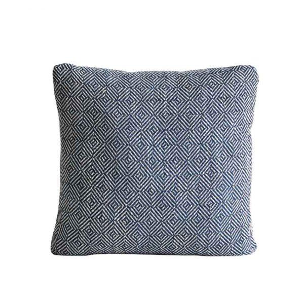 Woud-Diamond-cushion-1