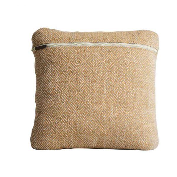 Woud-Diamond-cushion-12
