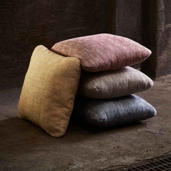 Woud-Diamond-cushion-13