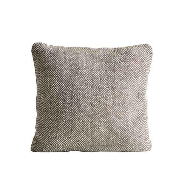Woud-Diamond-cushion-7